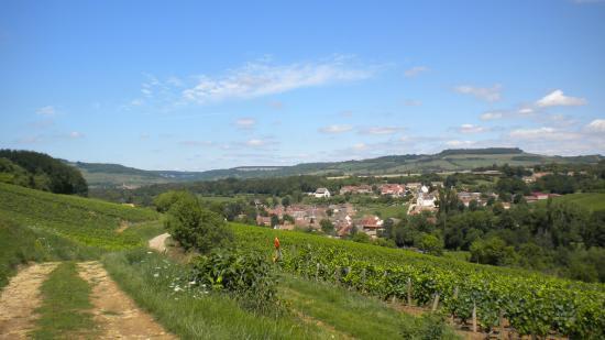 Vers le village